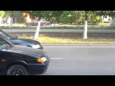 На Баклановском сгорела машина